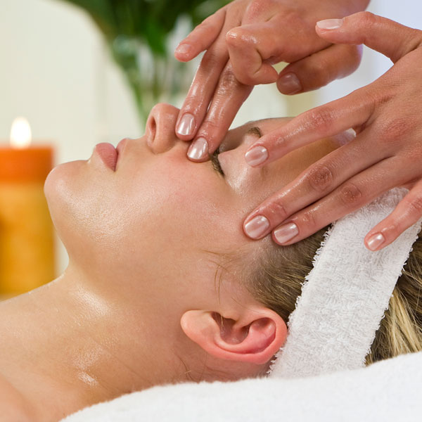 Diploma in Holistic Beauty Therapy in Delhi